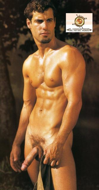 Hombre Desnudo Moreno Bronceado Pene Largo Cabezon